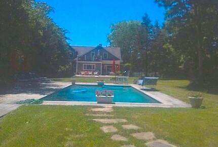 East Hampton Villa - East Hampton, New York