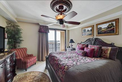 Emerald grande at harborwalk village 3 bedroom destin florida thirdhome for 9 bedroom house destin florida