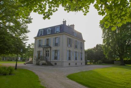 19c Mansion near Paris