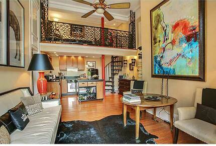 """Vieux Carre"" French Quarter Flat with Private Courtyard"