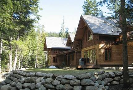 Mountain Lodge on Ivey Lake