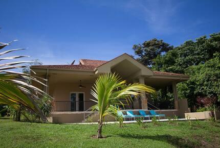 Red Frog Beach - 3 Bedroom Residence - Casa Viscaina, Villa 67 - Isla Bastimentos, Panama