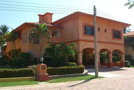 Villa in Isla Navidad Resort