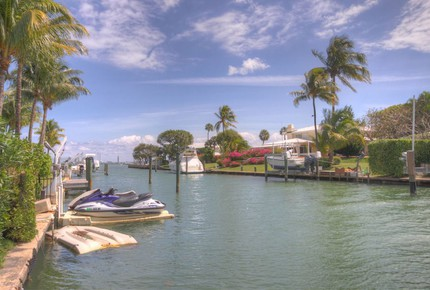 Waterfront Villa with Dock Near South Beach