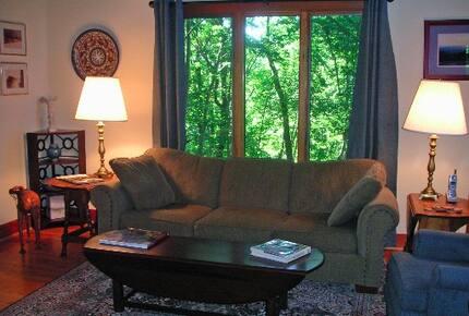 Tall Oaks Lodge, Wintergreen Resort VA