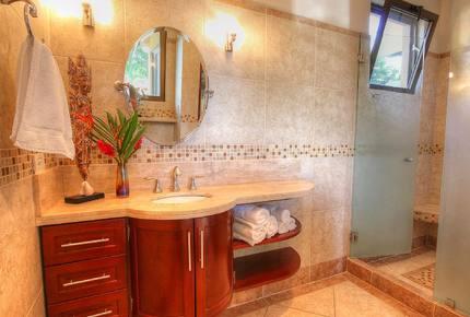 Luxury Ocean View Villa with 5 Star Personalized Service - Playa Samara, Costa Rica