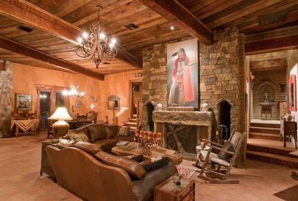 Casa de la Cruces Desert Retreat