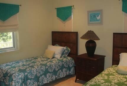 Paradise House Villa - Georgetown, Bahamas
