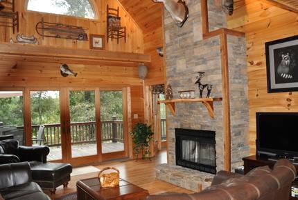 Mountain Lodge With Full Games Room! - Morganton, Georgia