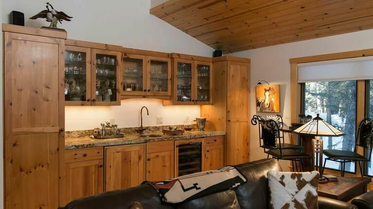 Eagle's Nest Lodge | Jackson, Wyoming | THIRDHOME on the kitchen great falls mt, the gun barrel jackson wy, the kitchen denver co, the local jackson wy, the kitchen lake charles la, the indian jackson wy, the kitchen boston ma,