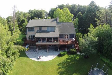 Lake Winnipesaukee Lakehouse - Tuftonboro, New Hampshire