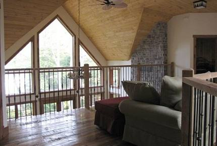 Mont Tremblant Lakefront Cottage