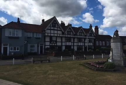 Modern English Cottage Near Windsor Castle - Datchet, United Kingdom