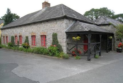 Manor Gate Lodge on the Avenue - Adare, Ireland