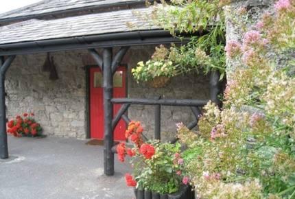 Manor Gate Lodge on the Avenue - Adare, Ireland