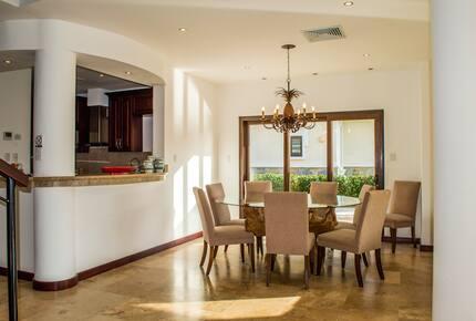Pristine Bay 3 Bedroom Residence 1103 - Roatan, Honduras